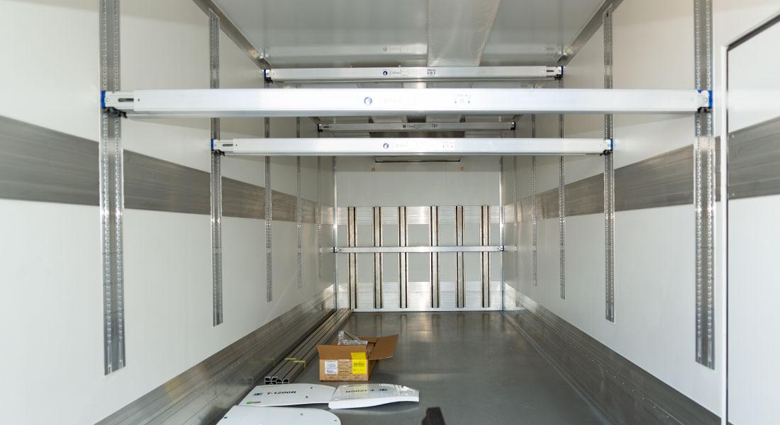 Unsere-Kühlaufbauten-können-zusätzlich-mit-umfangreichem-Zubehör-geliefert-werden-autocenter-grimmen